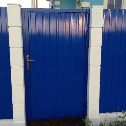 Усадьба, секции из синего профнастила